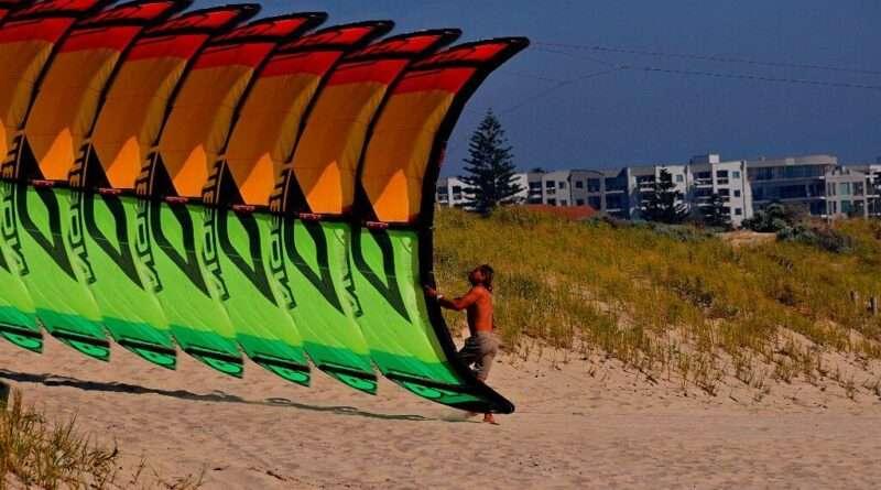Scarborough Beach Kite Surfing